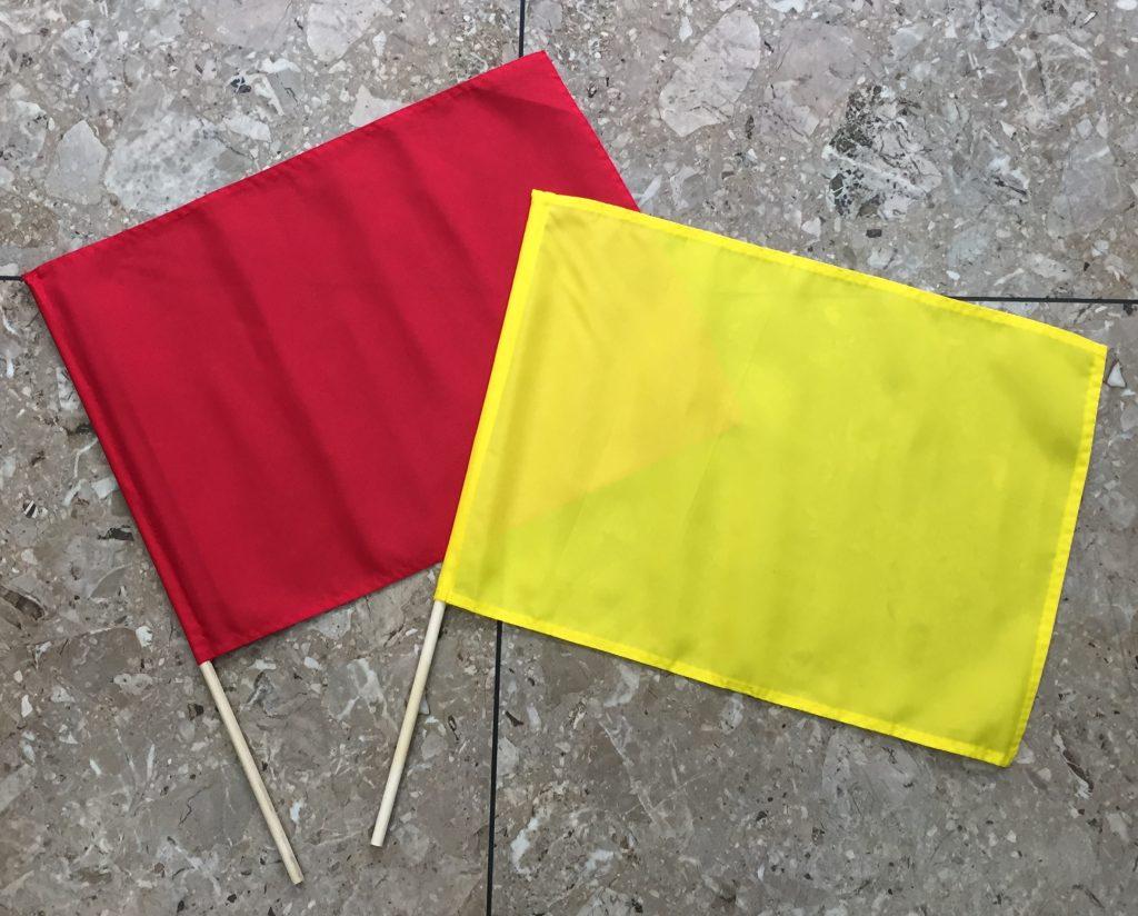 バスケットボールで使用する赤旗・黄旗(手旗 棒つき)